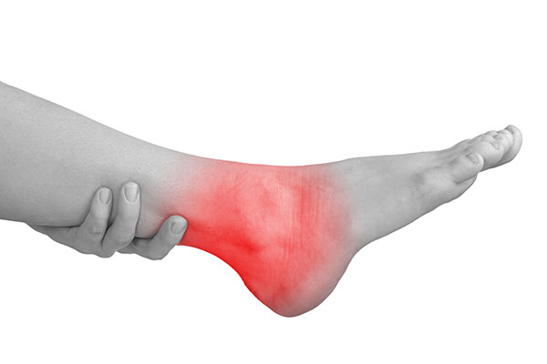 ankle-sprain-with-hand